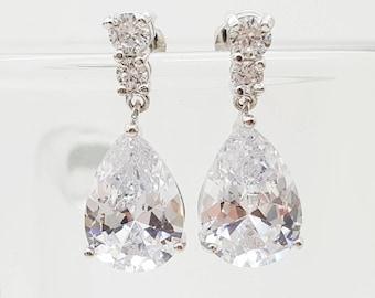 Teardrop bridesmaid Earrings Gift , Bridal Earring,  Cubic Zirconia Earrings