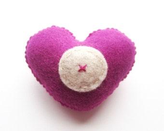 Fait à la main feutre broche coeur en amour - lettre O - assortie de couleurs
