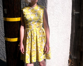 Vintage 1950s Yellow Floral Dress