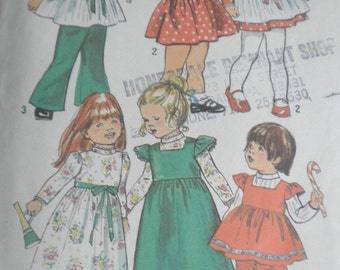 Toddlers Girls Size 3 Dress and Smock Pattern 1970s