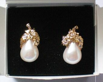 Avon Precious Pear Clip Earrings - 5336