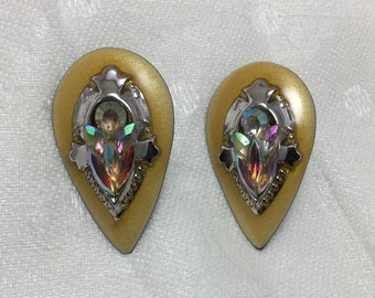 Vintage 80s earrings with stones