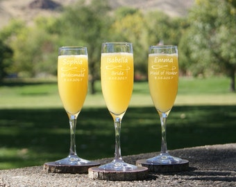 Engraved Champagne Flute / Champagne Flutes Personalized / Custom Glasses / Personalized Bridesmaids Gifts / Champagne Glasses Etched