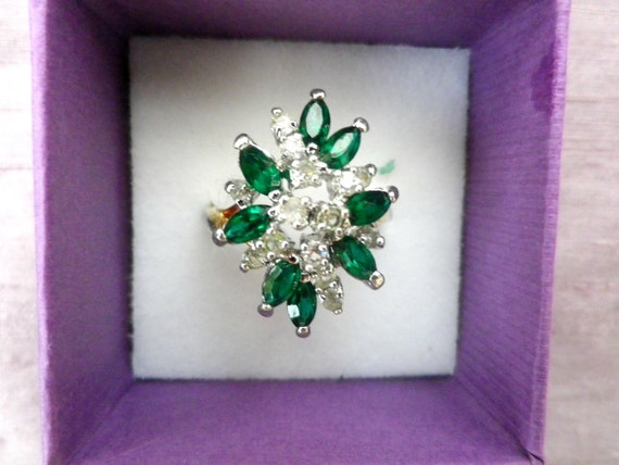 Green and white crystal cluster dress ring, large size S
