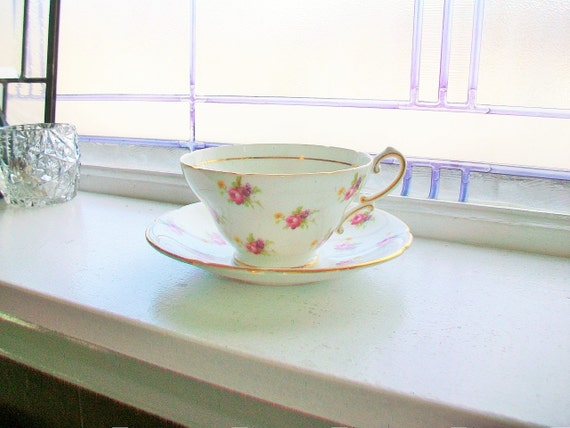 Vintage Tea Cup and Saucer Stanley English Fine Bone China Pink Flowers Gold Trim