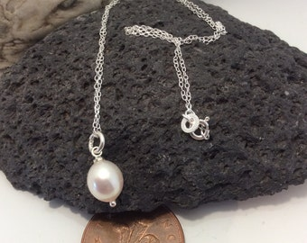 925 sterling silver necklace with freshwater cultured pearl pendant