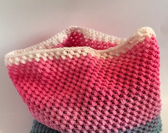 Spring Bean Cowl, Pink and Gray