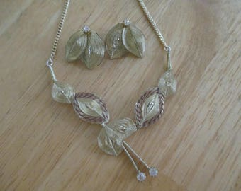vintage costume jewelry /  just reduced   necklace set with clip on earrings