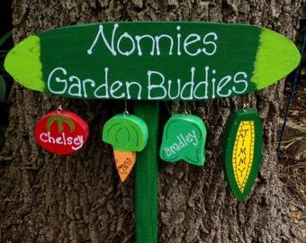 Grandmother garden sign with personalized hanging grandchildren