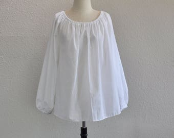 CH200 XS to Small White Renaissance Chemise Blouse