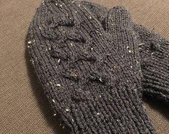 Make Your Own Lattice Mittens, knitting pattern, easy knitting pattern, cable knitting pattern, easy cable knitting