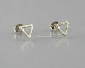 Solid white gold triangle earring, silver triangle stud, solid white gold stud earring, handmade, solid white gold jewelry, minimalist