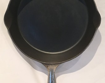 Antique  Wapak No 7 Cast Iron Skillet - Outside Heat Ring Circa 1903-1910