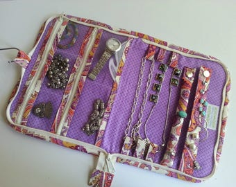 Zippered Travel Jewelry Case quilted in Santos Plum Paisley