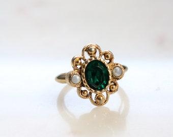 Vintage Avon Ring - Green Stone Ring