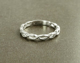 Celtic Braided Ring, Triskele of Spirals, Sterling Silver, Infinity Irish Promise Wedding Band, Love and Fertility, Saint Patrick's day Gift