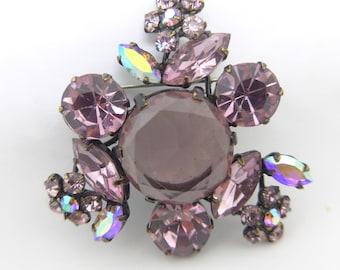 Vintage Glittering Lilac Purple Glass Brooch Pin.