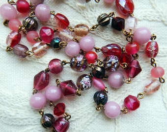 Vintage Art Deco Style Glass Lampwork Beads Shades of Pink Wire Link Necklace