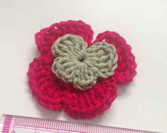 Set of 4 double pansies flowers crocheted soft tone fuchsia and green heart