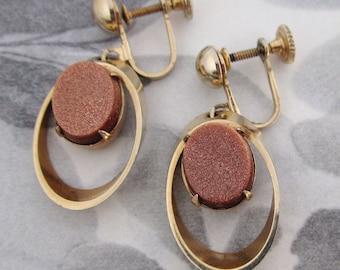 vintage genuine goldstone prong set in gold tone earrings - j5261