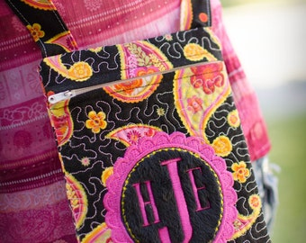 Instant Download MONOGRAMMED In-the-hoop QUILTED ZIPPERED Cross-Body Bag applique embroidery design