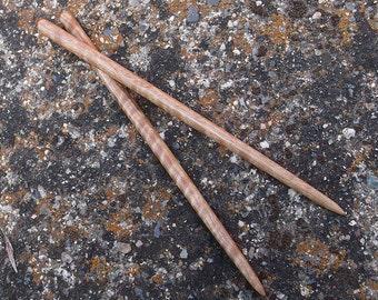 Slim Exotic Curly Pyinma - Hairsticks