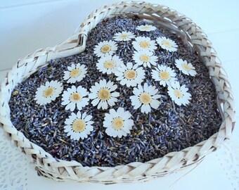 LAVENDER, DAISY Flower Sprinkles™, Wedding Confetti, Daisies, Country Wedding, Ecofriendly Wedding, Flower Confetti