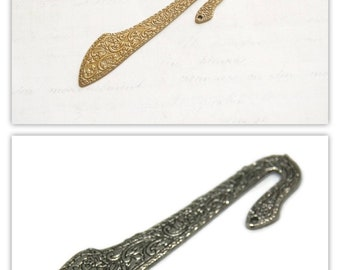 Bookmarks expanded floral motifs carved in bronze or silver 8x2cm