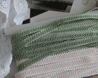 Crack green almond - guipure lace SWELLS France - Vintage Passementerie trim - stripe luxury - stripe upholstery decorator 101