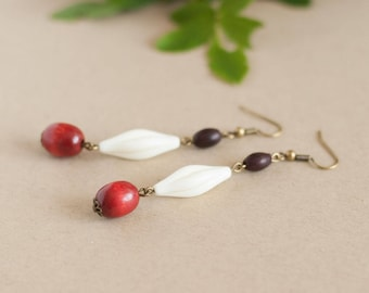 Pendant earrings made of vintage beads, amber and ivory