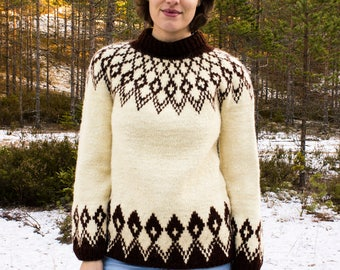 Vintage Icelandic Nordic sweater hand knitted Lopi wool ski winter