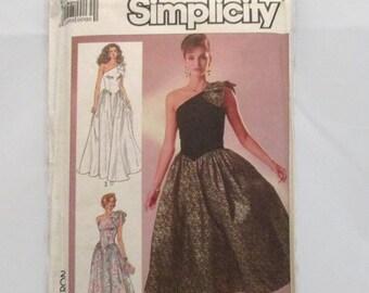 Simplicity 7842 Misses/Misses Petite Off Shoulder Dress Full Gathered Skirt Self Shoulder Bow Size 16 UNCUT