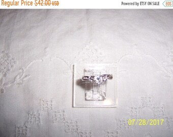 SUMMER SALE 20% OFF, Vintage 3 Clear Cubic zirconias, engagement or wedding ring. Sterling silver.