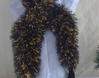 Woman black orange way BOA scarf