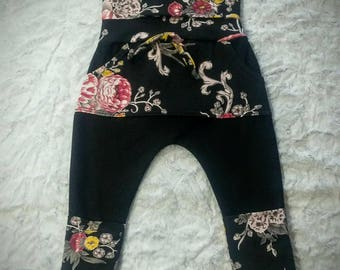 Evolutive pants. Made of fake stretch jeans. Very comfortable for children! 3 - 12months.