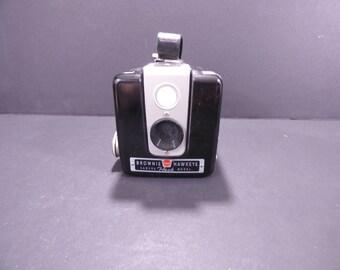 Vintage Brownie Hawkeye flash camera