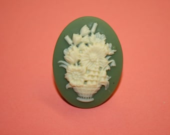 Large Green Bouquet of Flowers Cameo Ring