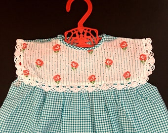 Vintage girls dress NEW UNWORN gingham checked blue white with rose flowers lace detail and 2 front pockets /1960s girls dress 12-18 Months