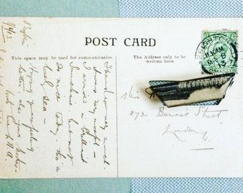 Broche Carte Postale Ancienne