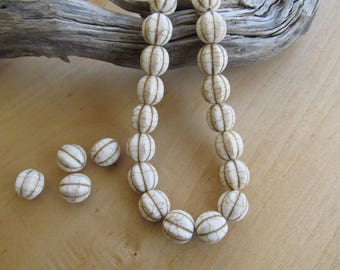 Set of 5 beads 14 mm dyed natural howlite melon: ivory.