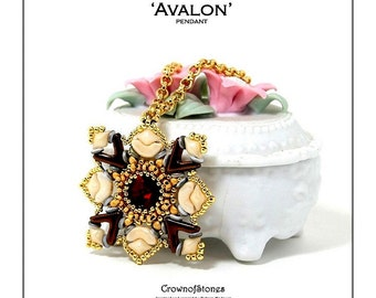 Bead pattern Avalon pendant with AVA beads, Diamonduos, Arcos par Puca, seed beads and O beads