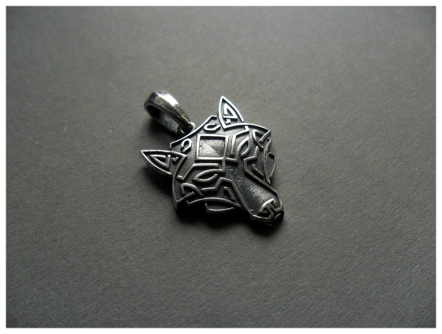 Silver wolf head necklace pendant celtic zoom mozeypictures Choice Image