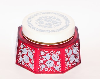Music box vintage jewelry box music decor collectible box Russian Soviet USSR shabby chic box musical gift red round box vintage wedding