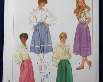 Skirt Sewing Pattern in Size 14 - Simplicity 7435