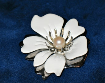 Sarah Coventry White Enamel Flower and Layered Silver Tone and Pearl Floral Brooch