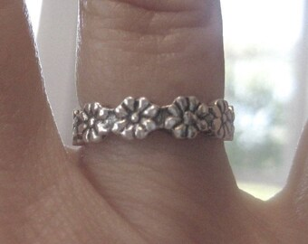 SS Floral Band Ring 6.5