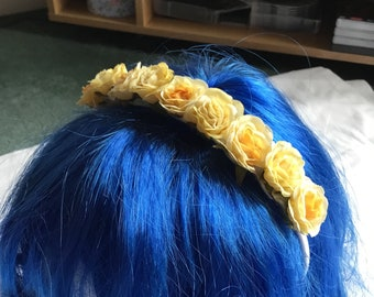 Small cream and yellow flower crown