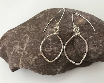 Sarabeth Small silver leaves earrings