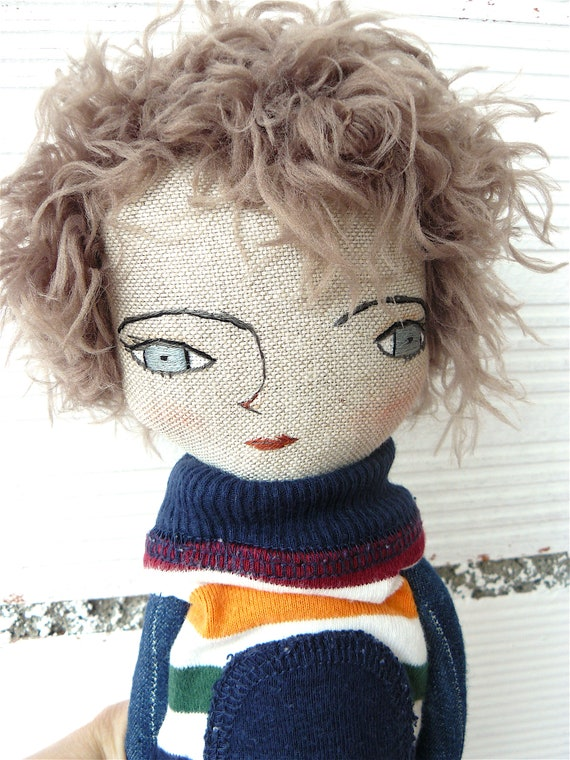 New more stylized model. Art doll in cotton. 16 inches.
