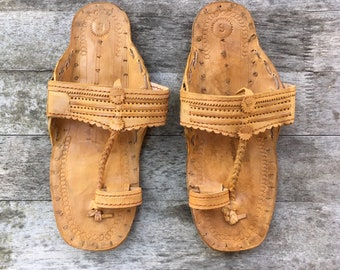6-6.5 Handmade leather sandals camel leather handmade handcrafted 6 6.5 6 1/2 hippie hippy boho bohemian Indian made in India ethnic sandals